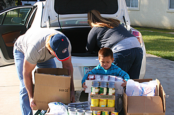 January 2013 USDA Food Distribution at the California Valley Miwok Tribe