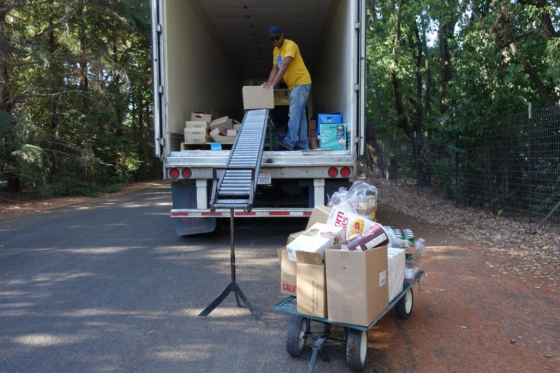 August 2017 Food Distribution - California Valley Miwok Tribe