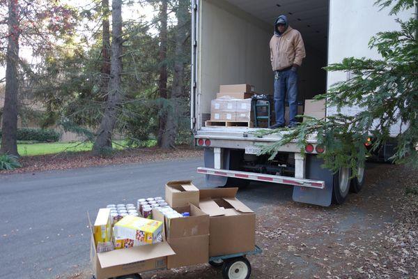 December 2017 Food Distribution